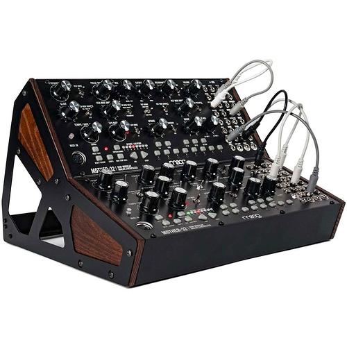 moog-2-mother-32-case-kit-1