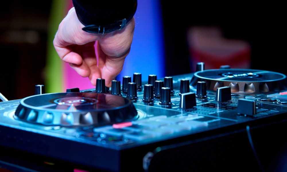 Purchasing First DJ Controller - The Studio - IDM Forums