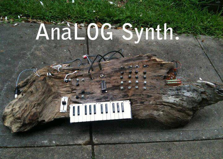 anaLOG-Synth-7518740